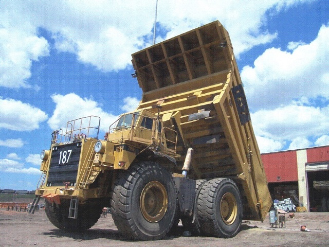 CAT 789 OFF-ROAD TRUCK